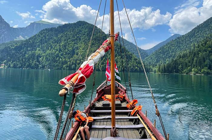 ущелье горной реки